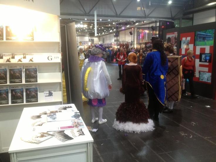 Cosplay-Action am AGM Stand auf der Leipziger Buchmesse ;) Die Leipziger Buchmesse ruft und wir kommen! Besucht uns doch in der Fantasy-Halle (Halle 2) am Stand G315. Vom 14.03. - 17.03.13 in Leipzig! follow us on facebook www.facebook.com/AGMMagazin