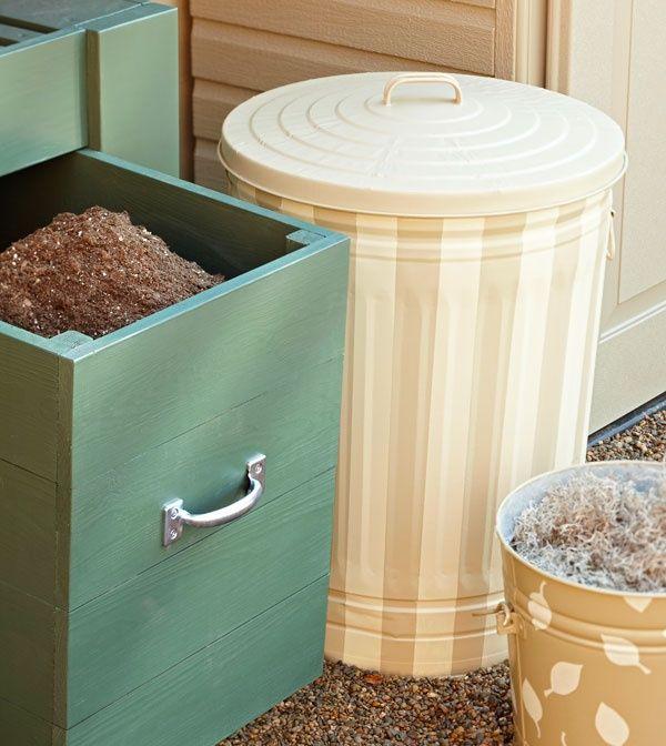 Best 25 kitchen trash cans ideas on pinterest hidden trash can trash can cabinet and cabinet - Kitchen trash can ideas ...