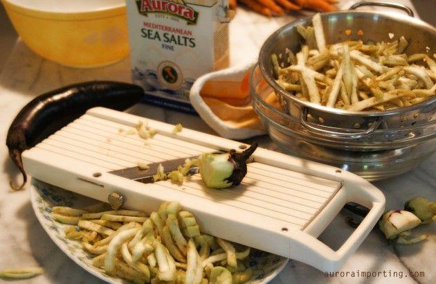 Slicing eggplant for melenzane sott'olio