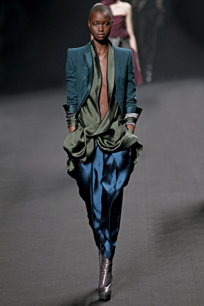 Haider Ackermann Fall 2011 Ready-to-Wear - Collection - Gallery - Look 33…