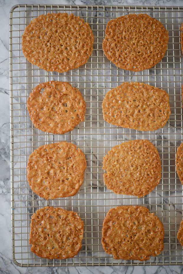 toffee lace cookies + chocolate