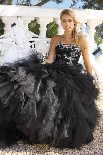 Schwarzes Brautkleid Modell 43032 von Ladybird.