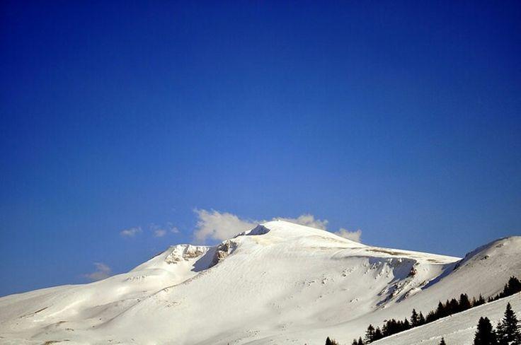 Mountain by burak karaca