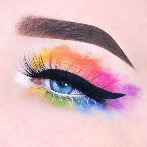 How incredible is this watercolor look by @beautycloudnl  She used #sugarpill shadows in Home Sweet Home, Velocity, Buttercupcake, Flamepoint, Dollipop, Poison Plum, Tako, Diamond Eyes, Mochi and Midori