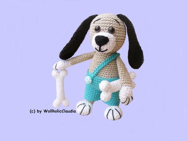 This little dog is crazy about bones! He does not like to let them out of his paw's or jaw's! Get your pattern now from this cute 'Bone hunter'! The pattern is written in the UK term. Size The dog is approx. 17cm tall using specified crochet hook size 12