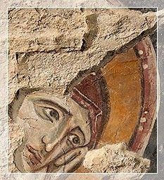 Giunta Pisano (Giunta Capitini, detto) - la Vergine della Crocifissione - Cripta di San Colombano a Bologna - Crocifissione - L'affresco fu rinvenuto nel 2007 dagli architetti Roberto Scannavini e Francisco Giordano nel cantiere, durante il corso dei lavori di restauro della chiesa: la scoperta consentì anche il ritrovamento e lo scavo dell'inedita cripta. http://www.archilovers.com/francisco-giordano/