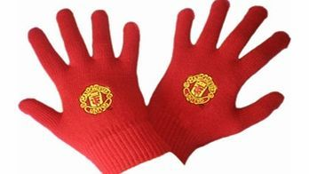 Man Utd Accessories  Manchester United FC Knitted Gloves (Small) MANCHESTER UNITED RED GLOVESCOLOUR- REDSIZE- 7-9 YEARS http://www.comparestoreprices.co.uk/football-kit/man-utd-accessories-manchester-united-fc-knitted-gloves-small-.asp