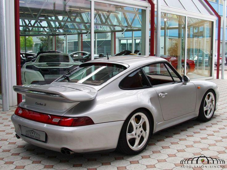 Porsche 993 Turbo S im Auto Salon Singen