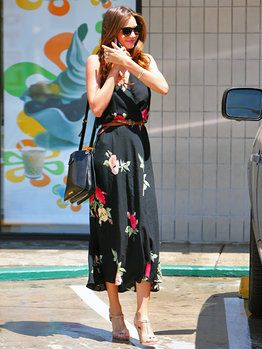 お手本はミランダ・カー❤︎ビーチリゾートならロングワンピースで大人の女性らしいコーデ❤︎旅行用ファッション アイデア