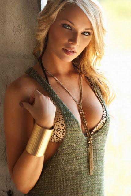 Cat Eyes on This Sexy Wonder Blonde  beautiful eyes blonde girl flirt necklace sensual