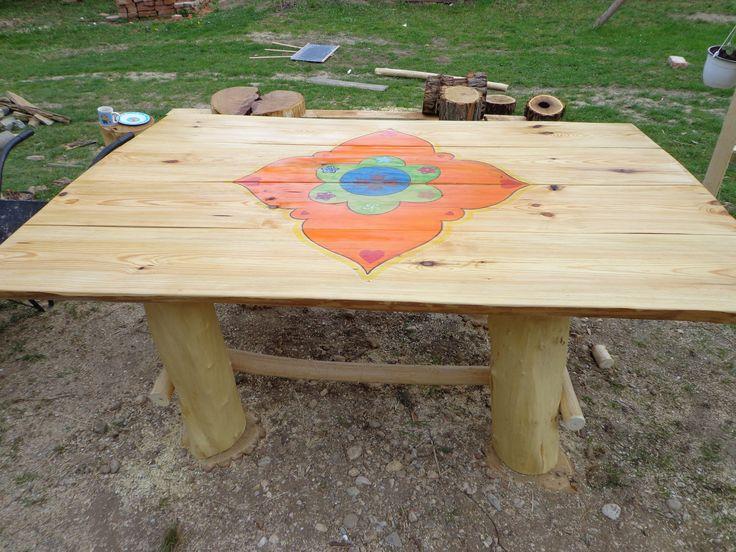 rusztikus kerti asztal