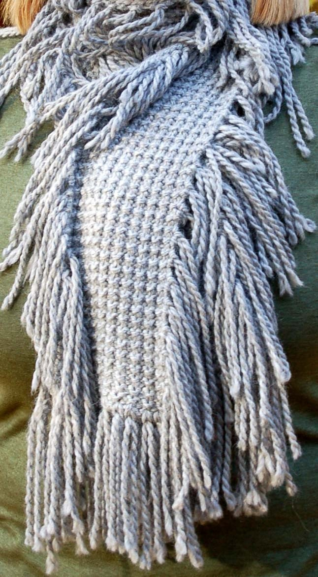 Knitting Rice Stitch In The Round : Rice stitch scarf with tons of fringe. Knitting Makes Me Happy! Pinterest...