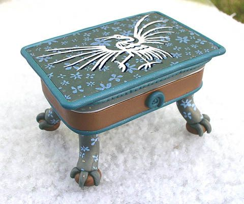 Site for more altered Altoid boxes