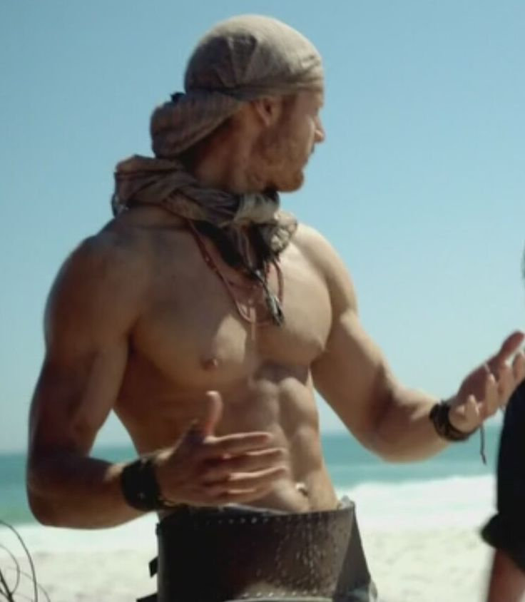 Tom Hopper as Billy Bones, from Episode 4 of Black Sails. There's just something about pirates..