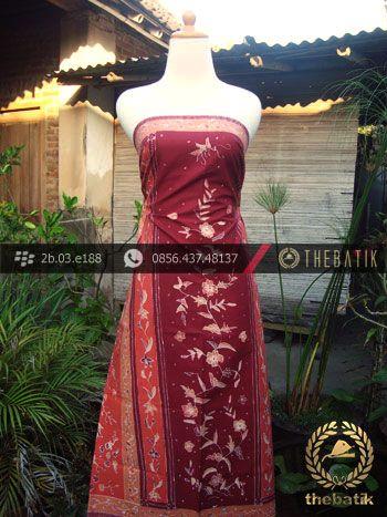 Sarung Batik Cirebon Motif Buketan Peach   #Indonesia Traditional #Batik Tulis #Design. Hand-dyed Process http://thebatik.co.id/kain-batik-bahan/batik-tulis/