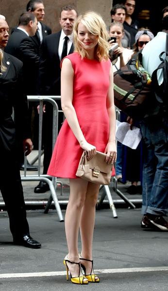 Emma Stone, New York Fashion Week: Calvin Klein, Fashionista Ii, Stones Style, Stones Adorable, Street Style, Dresses Shoes, Fashion Week, Adorable Emma, Emma Stones