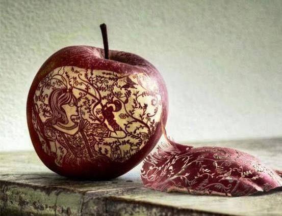 Sztuka Jabłkowa przez duże S i J