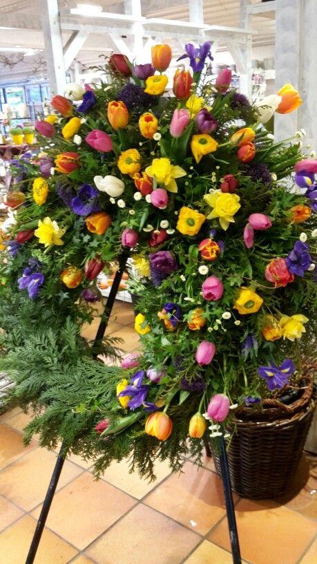 Frühlingsblumen Kranz