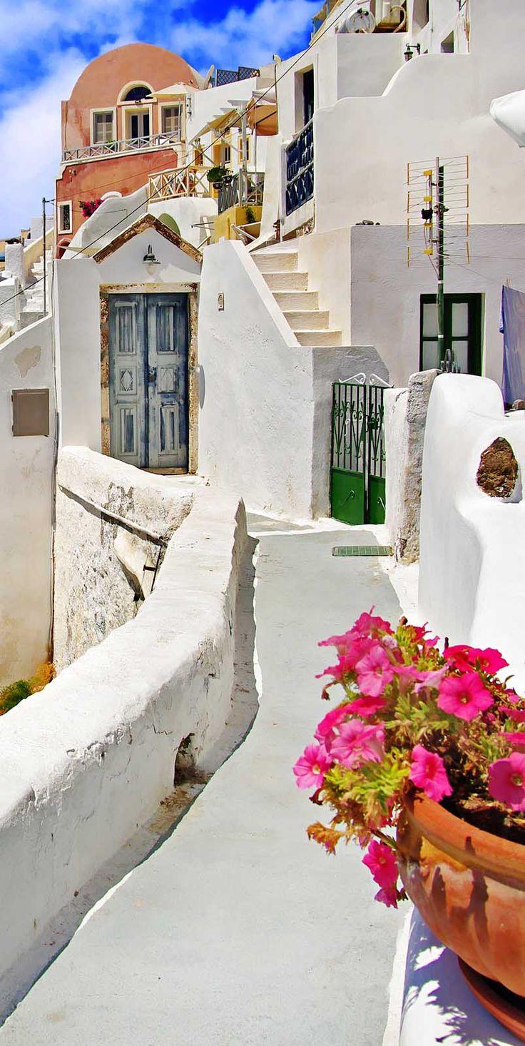 Traditional Streets of Santorini, Greece. For discounts at luxury hotels in Santorini visit http://www.mediteranique.com/hotels-greece/santorini/