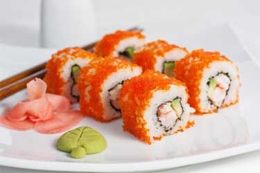 Californië-rol Uramaki - I don't know the language used, but I intimately know the ingredients ... can you say YUM!!!!!!!!  I make this at home too!  ~Sandi