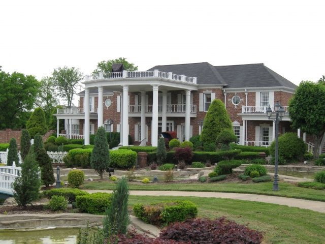 Conway twitty 39 s home hendersonville tn usa travels for Nashville tn celebrity homes