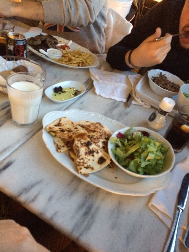 Cheerful dinner with my buddies, at Hapilly ever after, istanbul