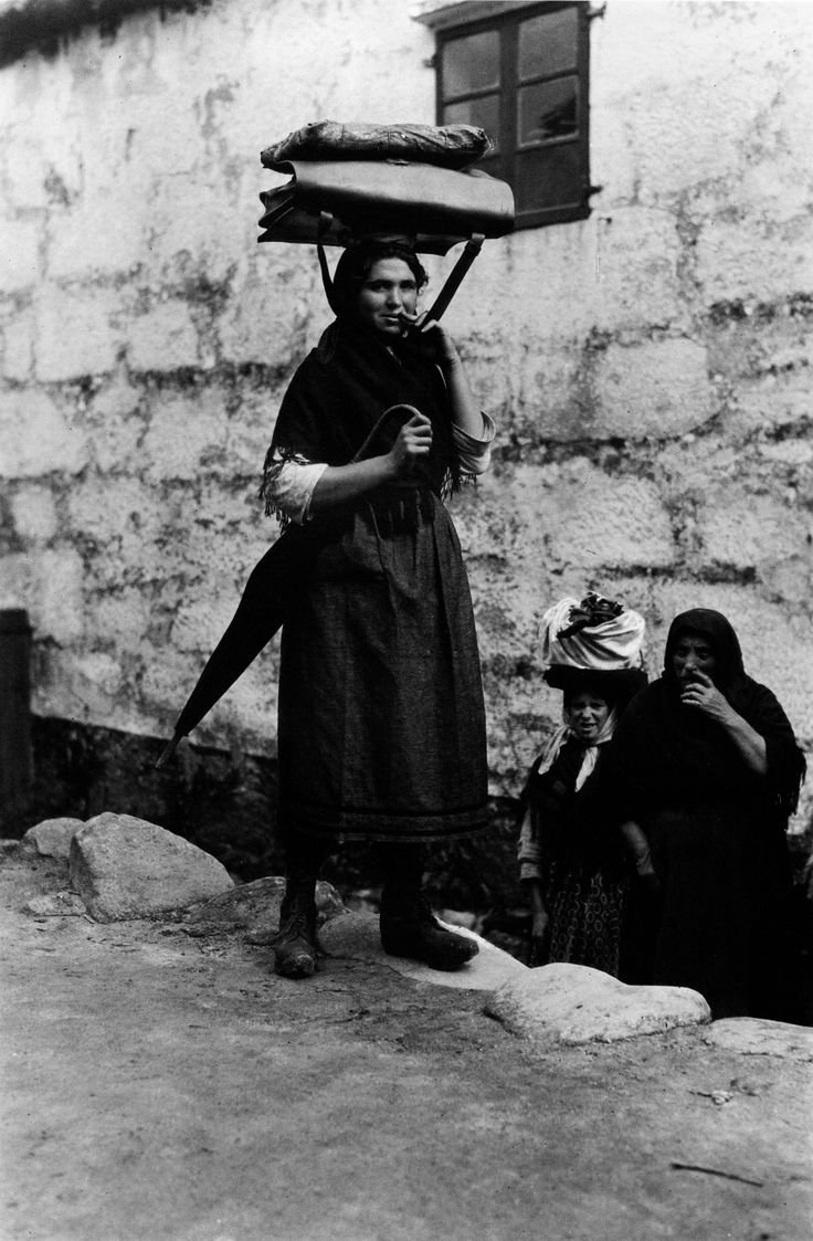 Carteira [Mail carrier]. Muros, A Coruña, 1924.