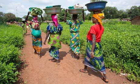 afrikai nők lavórral