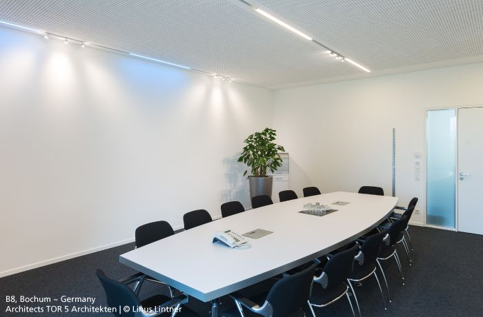 This meeting room is lit by the recessed #37cube for #Algoritmo. #design Carlotta de Bevilacqua & Paola Monaco di Arianello