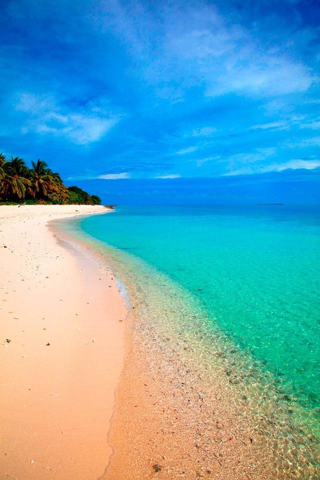 Blue hues and sandy beaches.