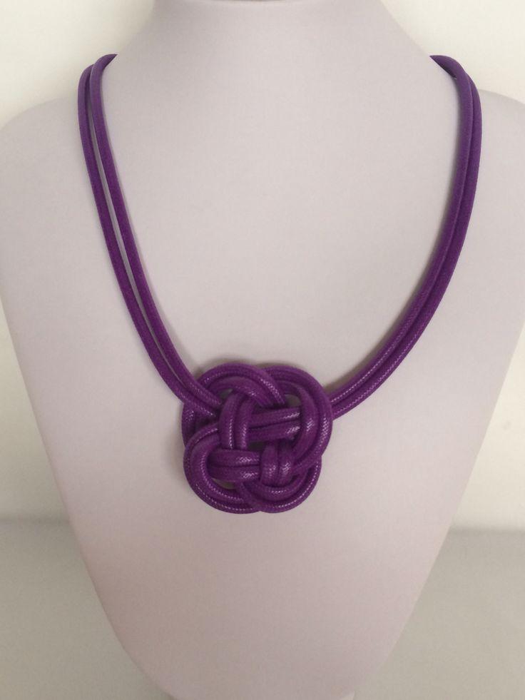 Violet knotty necklace