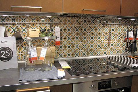 Cucine in muratura di caltagirone cucina ikea piastrelle for Piastrelle cucina caltagirone