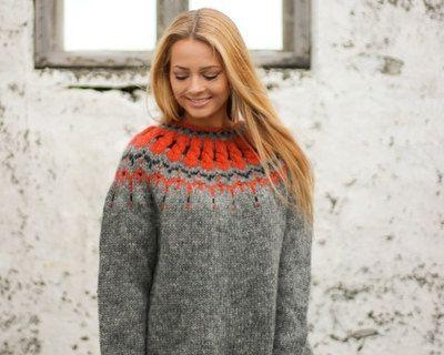 Handgemachte Pullover aus reiner isländischer Wolle
