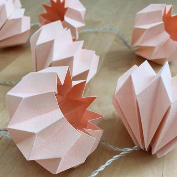 Epic Au ergew hnliche Lichterkette mit zw lf handgefertigten rosa Deko Kugel aus festem aber durchscheinem Papier