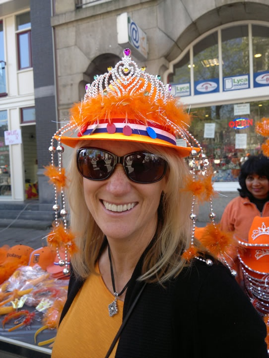 Kelly became Queen for a day. Amsterdam took to the streets to help celebrate Kelly's birthday!