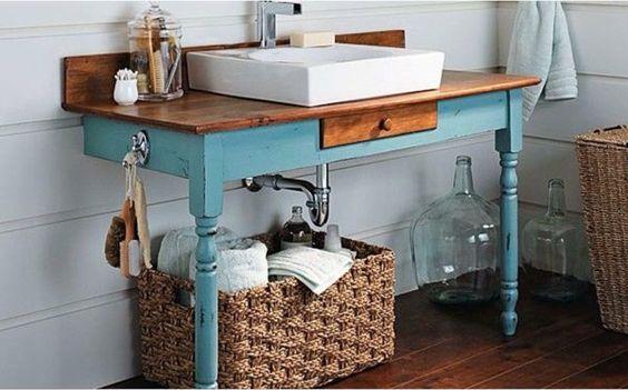 Ideias simples para decorar o banheiro com móveis coloridos …