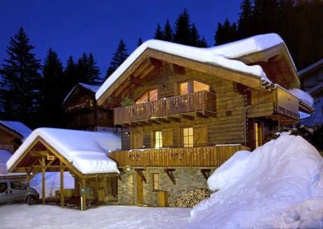 Ski Ski Chalet, for sale in Courchevel, Trois vallées, French Alps €1.25m 4double beds.