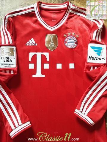 Relive Bayern Munich's 2013/2014 Bundesliga season with this original Adidas home long sleeve football shirt.
