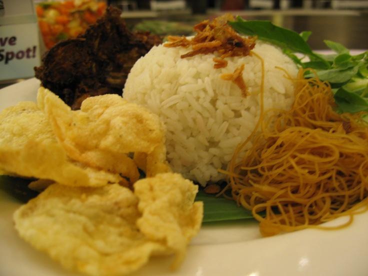 Nasi Uduk Empal Daging Sapi #IndonesianFood #makanan #Indonesia