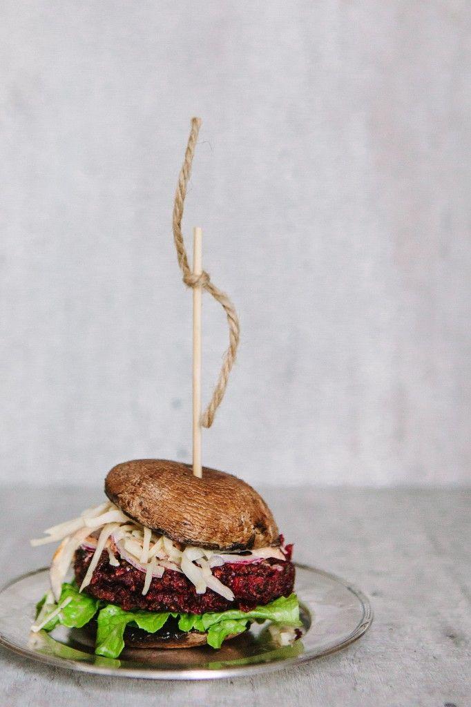 """rödbetsburgare med portabello""""bröd"""""""