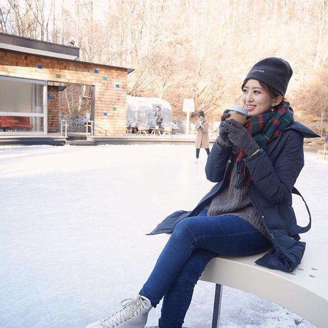 【airiii_t】さんのInstagramをピンしています。 《☃️ 氷上のベンチでハーブティーでひと休み☕️❄️ さて、今日こそ大掃除しなきゃ〜😂🤔😑😤 ✳︎ 星のやレポ③をblogに書いたので トップページからみてください😁🎶 ✳︎ ✳︎ #スケート#森#ケラ池スケートリンク#星のや軽井沢#星野リゾート#森のほとりbar#旅行#自然#コーデ#ユニクロ#上下ユニクロ部 #withgirls_jp #キュレーター#スポーツ#holidays#ootd#outfit#uniqlo#skate#active#sports#winter#nature#forest#japan#trip#instadaily#gm#relax#l4l》