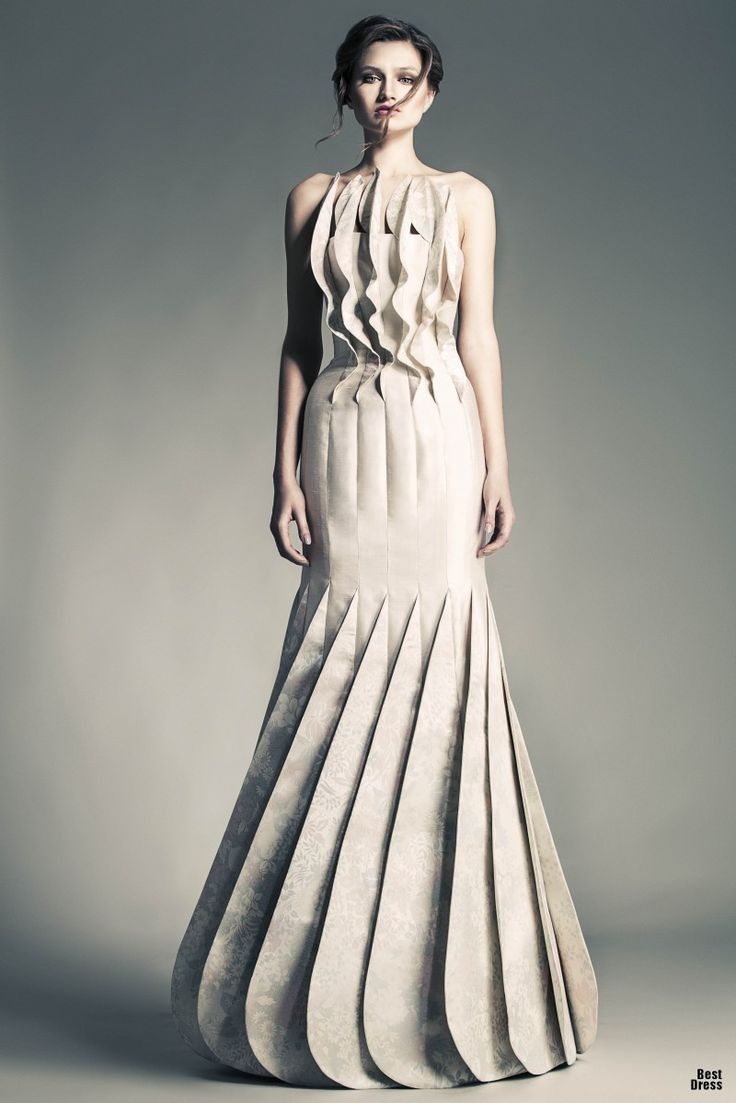 Sculptural fashion dress with statuesque silhouette and for Couture clothing