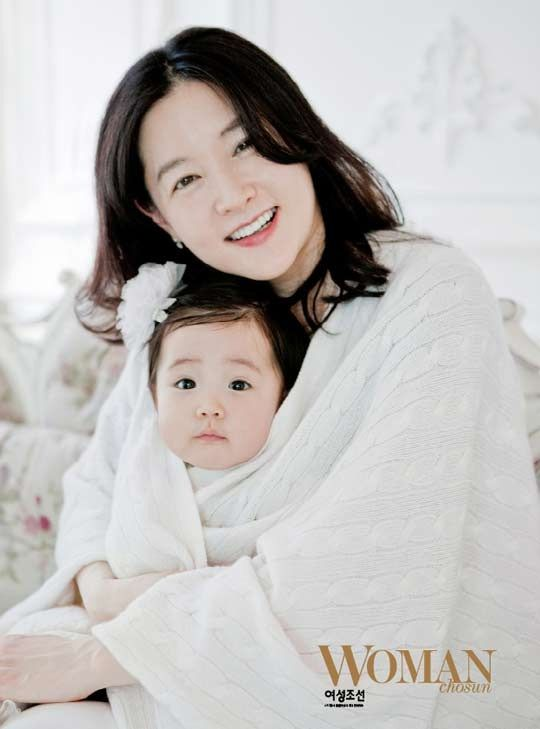 LEE Youngae and her daughter