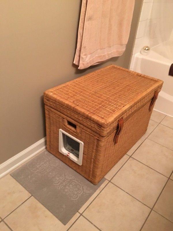 im badezimmer steht ein mysteri ser korb mit seitent r als g ste reinschauen m ssen sie. Black Bedroom Furniture Sets. Home Design Ideas