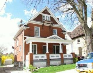 Zoned R5 Great Downtown Property Currently Used As Triplex with a 4th Unit. Roof 2008, Furnace 2008, New Soffit and Fascia and Windows 1997, Will Make Fantastic Investment Property for You! 5 Minute Walk to the New Courthouse and 5 Minutes to the Expressway.
