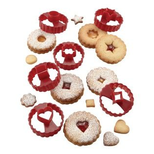 Chicago Metallic - Chicago Metallic Baking Essentials Linzer Cookie Cutter Set - Ah, the sweet rapport between strawberry jam, almond biscuits and powdered sugar! If you love linzer cookies, get baking with this set of double-sided cutters, made just for them.