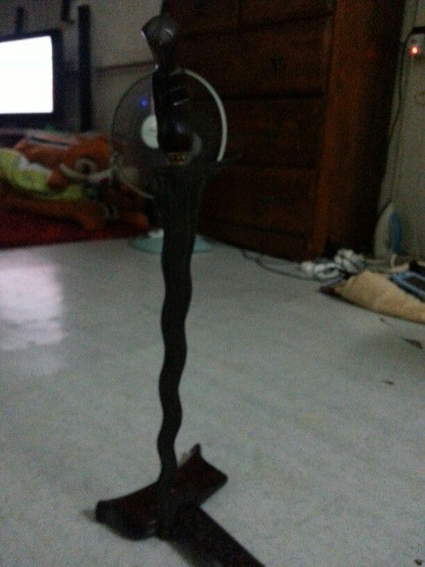 The black standing keris