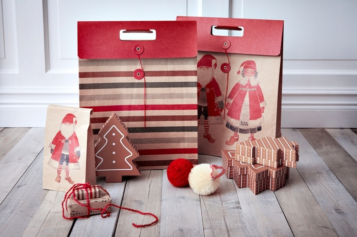 Σακούλες και κουτάκια σε διάφορα μεγέθη είναι έτοιμα να «φιλοξενήσουν» τα φετινά δώρα!