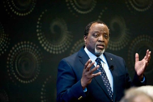 Wingnut Alan Keyes: Pro Same-Sex Ruling Will Be A 'Just Cause For War'