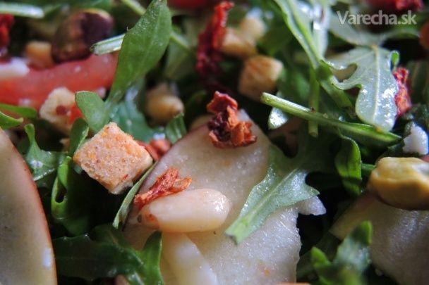Šalát s rukolou, jablkom a paradajkami (fotorecept)